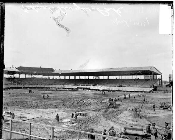 Construction taking place at Federal League ballpark Weeghman Park, Chicago, Illinois, 1914. From the Chicago Daily News collection. (Photo by Chicago History Museum/Getty Images) Photo: Chicago History Museum, Getty Images