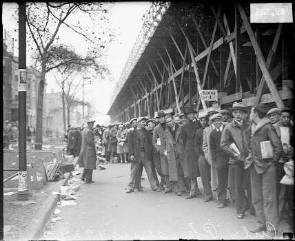 Crowds standing in line behind bleachers outside Wrigley Field, Chicago, Illinois, 1929. (Photo by Chicago History Museum/Getty Images) Photo: Chicago History Museum, Getty Images