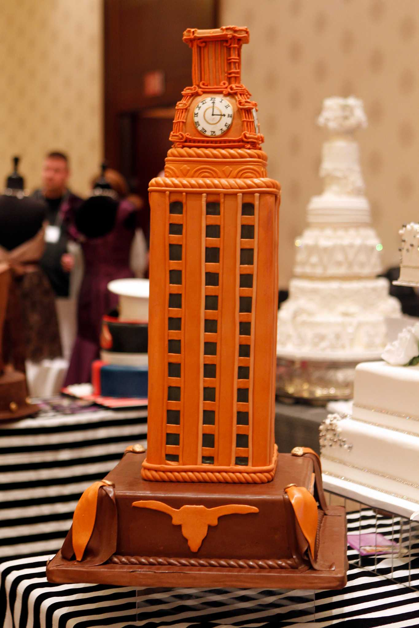 wedding cakes round rock texas groom s cakes are big business during wedding season 25396