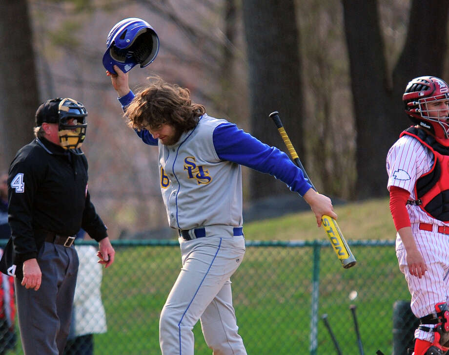 Baseball action between Derby and Seymour at French Memorial Park in Seymour, Conn. on Wednesday April 23, 2014. Photo: Christian Abraham / Connecticut Post