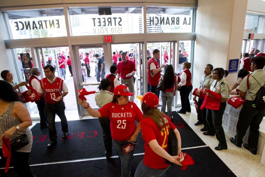 during the first quarter of Game 2 of the NBA Western Conference Quarterfinals at Toyota Center Wednesday, April 23, 2014, in Houston. ( Brett Coomer / Houston Chronicle ) Photo: Brett Coomer, Houston Chronicle