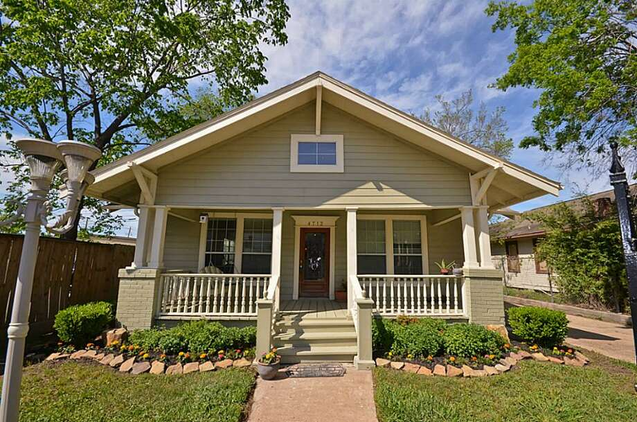 4712 Floyd: This 1930 home has 3-4 bedrooms, 2 bathrooms, 2,773 square feet, and is listed for $800,000. Photo: Houston Association Of Realtors