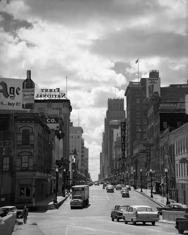 Looking down Main Street, 1950s. Photo: Houston Chronicle