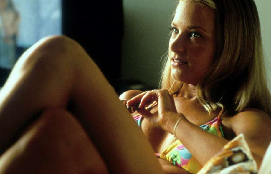 "Bridget Fonda, 1997, in a scene from the movie ""Jackie Brown.""  Photo: Hulton Archive, Getty Images / 2012 Getty Images"