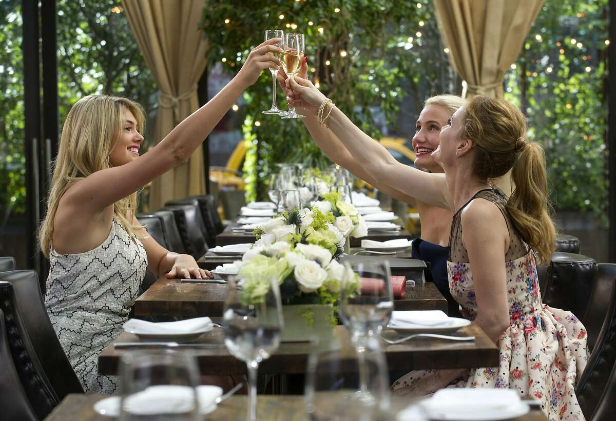 This image released by 20th Century Fox shows Kate Upton, from left, Cameron Diaz and Leslie Mann and in a scene from