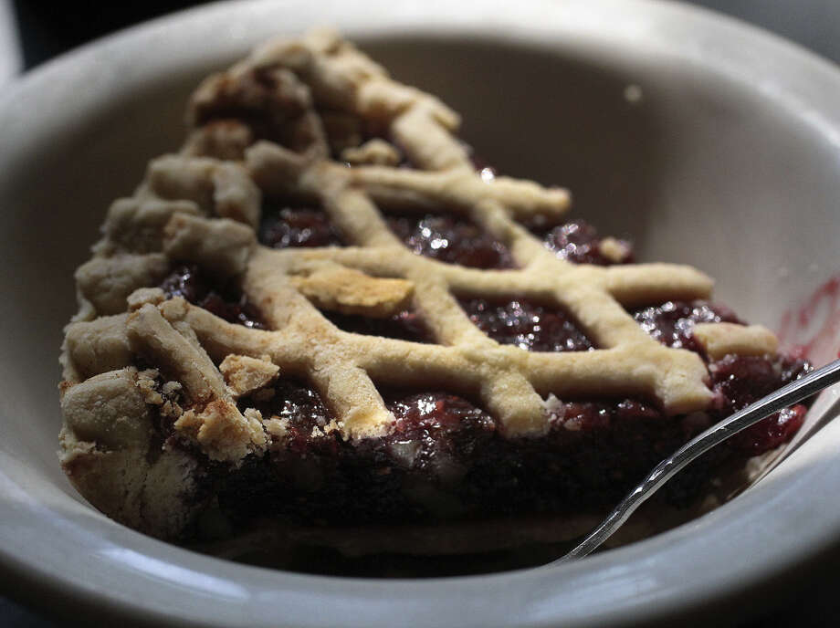 The Raspberry Pecan Pie is a staple at the Josephine Street Cafe. It can be made with fresh or frozen raspberries. Photo: JOHN DAVENPORT, San Antonio Express-News / ©San Antonio Express-News/John Davenport