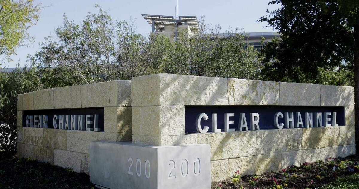 (CCO) Clear Channel Media Holdings is headquartered near the Alamo Quarry Market. Fortune 500 rank: 419 YTD stock change through Dec. 17: -3.00 percent (11:32 a.m. central on Dec. 17) 52-week high: $9.9058 52-week low: $6.24