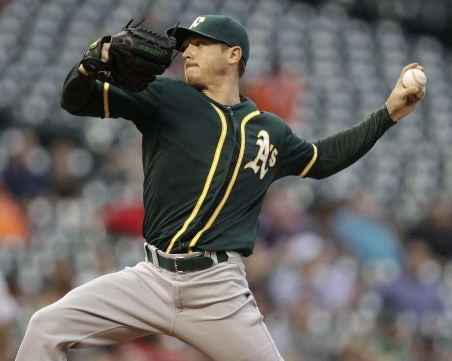 Scott Kazmir pitches. Photo: Melissa Phillip, Houston Chronicle