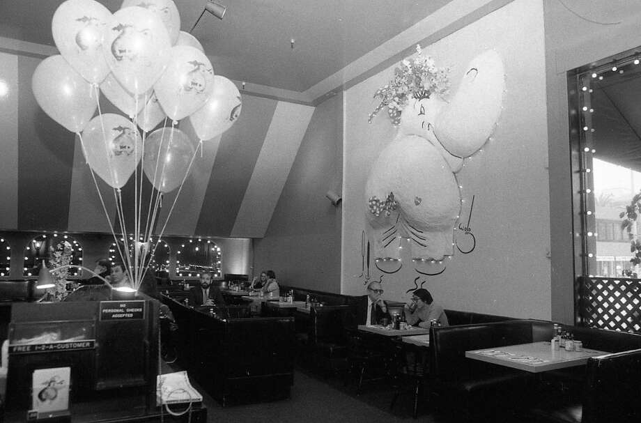 The interior of Hippo Restaurant, a popular spot in San Francisco in the 1980s. Photo: Susan Gilbert, The Chronicle / ONLINE_YES