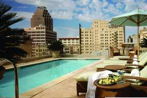 Spa visitors can use the Mokara Hotel rooftop pool or have a light lunch or drinks at the Rooftop Cafe with city views.
