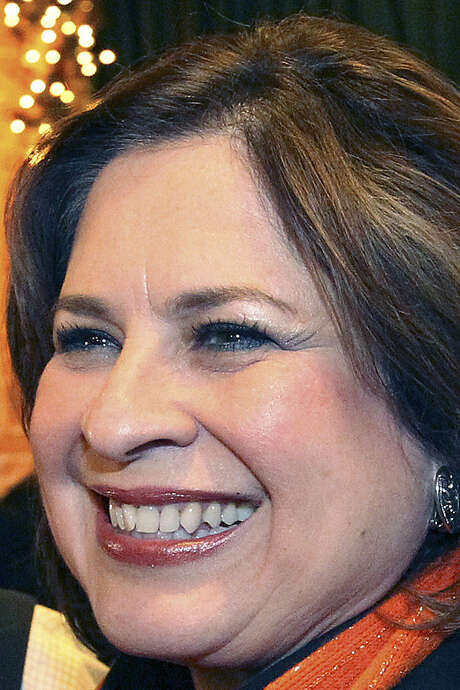State Sen. Leticia Van de Putte and her spouse reported annual incomes of $143,000 to $184,000. / ©2013 San Antonio Express-News
