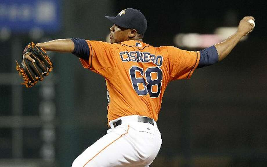 Astros starting pitcher Jose Cisnero (68) pithes in the sixth inning. Photo: Thomas B. Shea, For The Chronicle