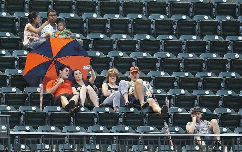 It was umbrella night at the game. Photo: Thomas B. Shea, For The Chronicle