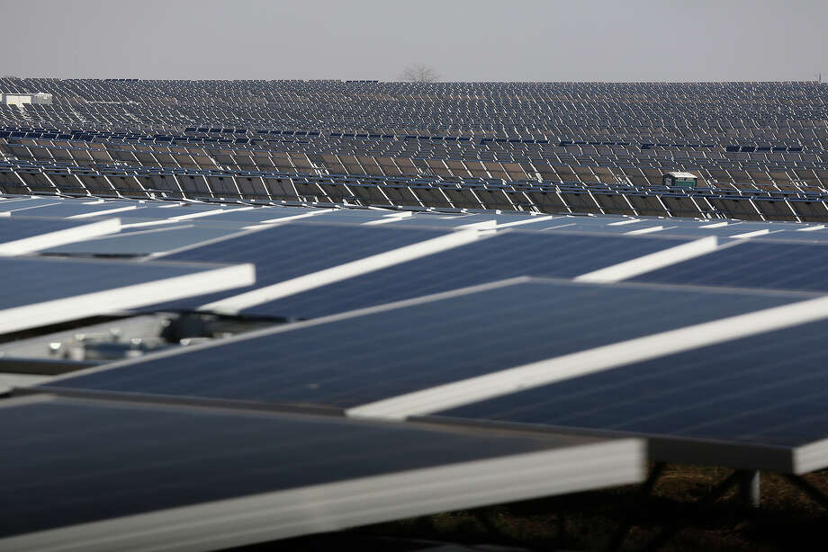 Among Texas' green energy projects is the Alamo I solar farm in San Antonio. Texas was No. 2 behind Idaho in new clean energy jobs announced in the first quarter of 2014, according to a report. Photo: Lisa Krantz, Staff / San Antonio Express-News