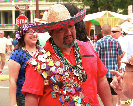 The 2014 King William Fair featured festive hats, good food, cold drinks, humid weather and lots of smiles. Photo: By DeAnne Cuellar, For MySA.com