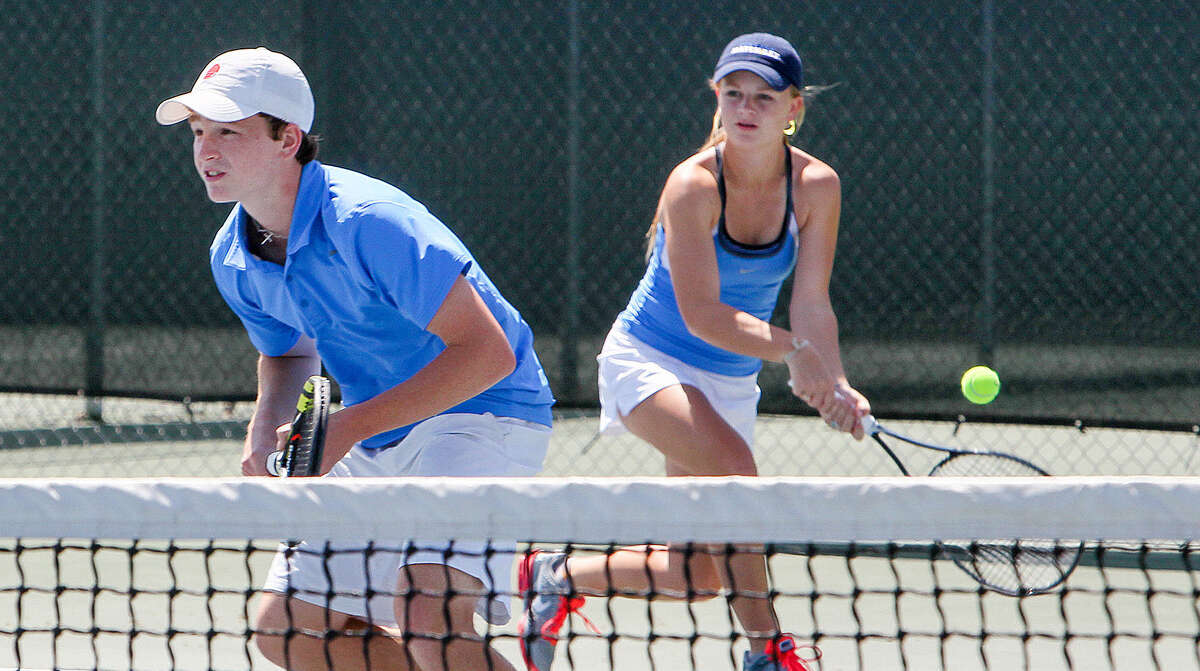 Alamo Heights' Henry Adams (left) and Sarah Adams will be part of the Mules' contingent at the state tournament this week after winning the Region IV-4A tournament.