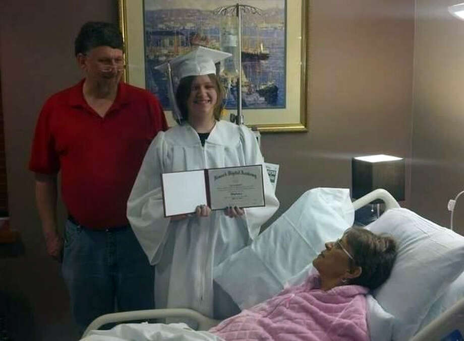 """Evie Shumaker says receiving her diploma at the hospice, where her mother has late-stage cancer, is """"one of those  moments in my life that I'm never going to forget.""""  She also says, """"It meant the world to everybody."""" Photo: Uncredited, HONS / Courtesy Evie Shumaker"""
