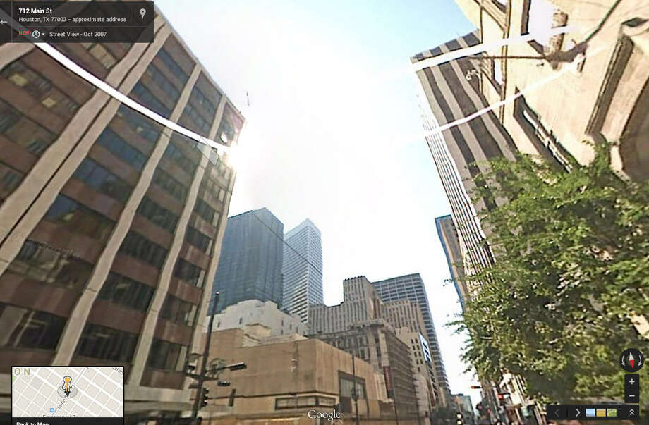 Houston Street View Then and NowIn 2007:The intersection of Main and Rusk shows a clear shot to the sky. Photo: Google Maps