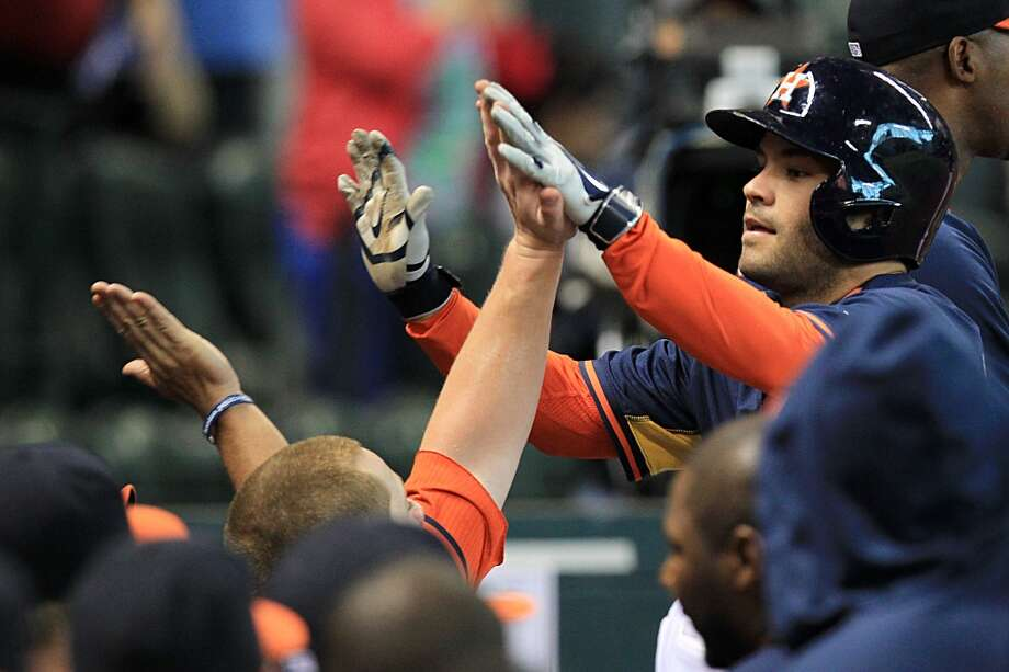 Astros second baseman Jose Altuve celebrate his home run. Photo: Mayra Beltran, Houston Chronicle