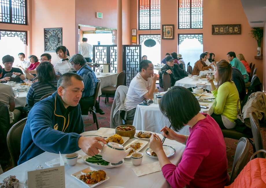 Diners enjoy Dim Sum at Hong Kong Lounge 2 in San Francisco. Photo: John Storey, Special To The Chronicle