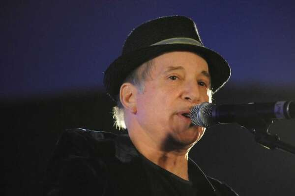 Paul Simon and his wife, Edie Brickell, were both arrested on a charge of disorderly conduct Saturday, April 26, 2014, according to New Canaan police. Photo: Lisa Weir/File Photo, ST