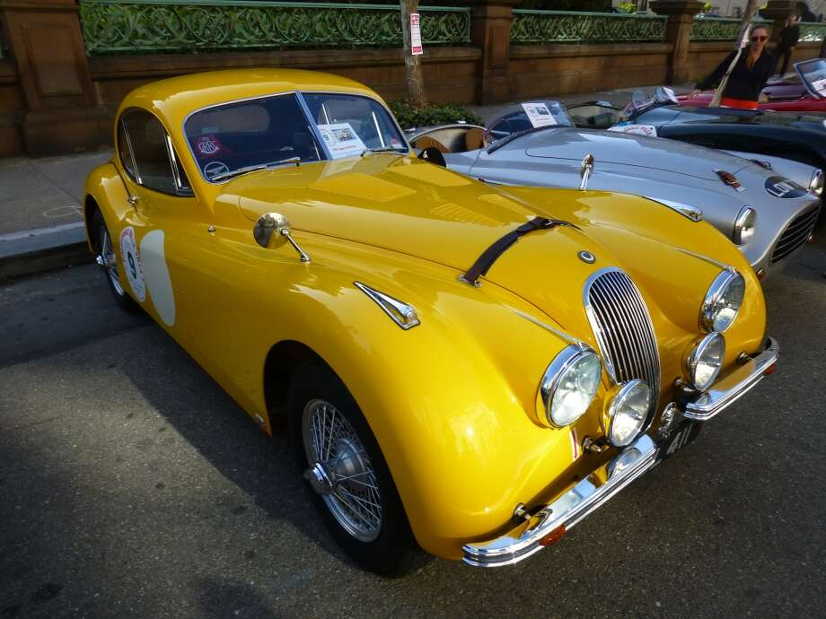 1952 Jaguar XK120 FHC.