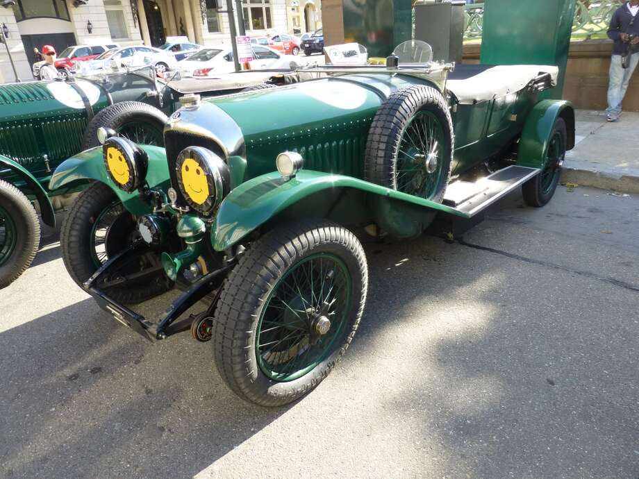 1928 Bentley 4.5 Vanden Plas.
