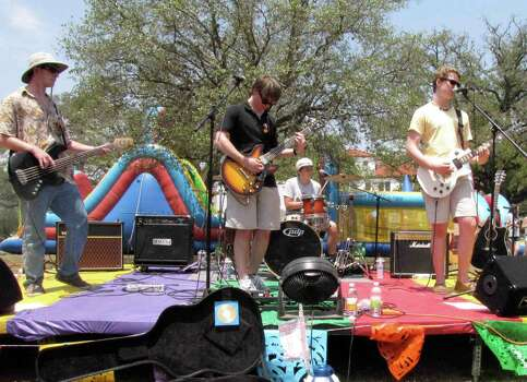 The band The Pickups perform at the Olmos Park Fiesta Frolic on Sunday at Alameda Circle. Photo: Edmond Ortiz / Alamo Heights Wee