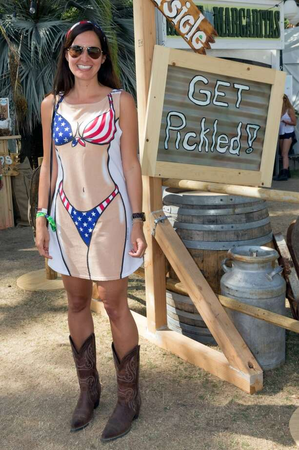 It's obvious she's been to the Galveston Seawall. Photo: Rich Polk, Getty Images For Stagecoach