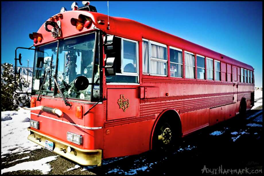 The Hellzapoppin Circus Sideshow Revue Bus Photo: Hellzapoppin.com