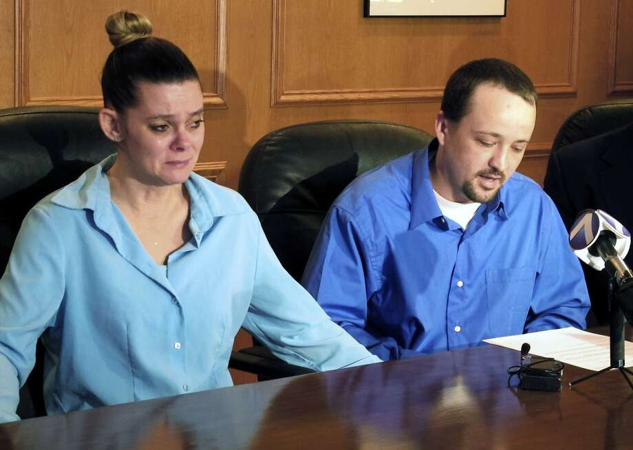 Dennis McGuire (right) and wife Missie filed a lawsuit against Ohio after his father gasped and snorted during his execution. Photo: Kantele Franko, Associated Press