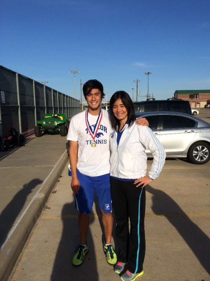 Peter Leung, senior at Katy Taylor High School, won the varsity boy's single championship in District 19 – 5A. Leung, ranked sixth in the Texas USTA super champion boy's 18 division, defeated Dane Esses from Memorial High School from Spring Branch with 6-4, 6-7 and 6-1. Both advanced to the regional in two weeks. This is Leung's third time play in the regional.