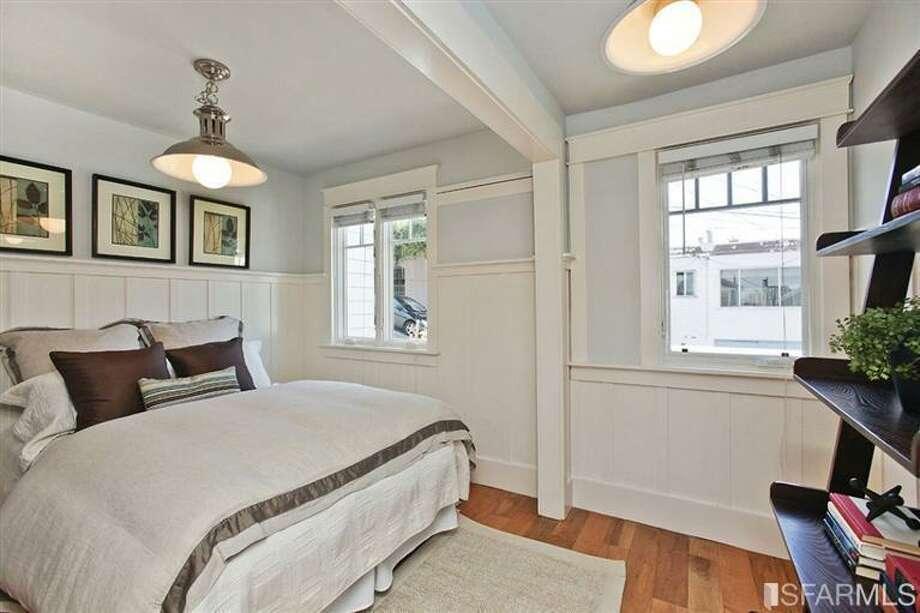 The upstairs bedroom Photo: MLS