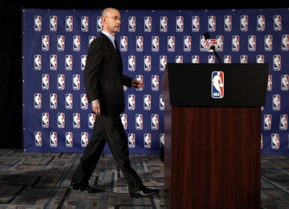 NBA Commissioner Adam Silver walks to the podium at news conference in New York, Tuesday, April 29, 2014. Photo: Richard Drew, Associated Press