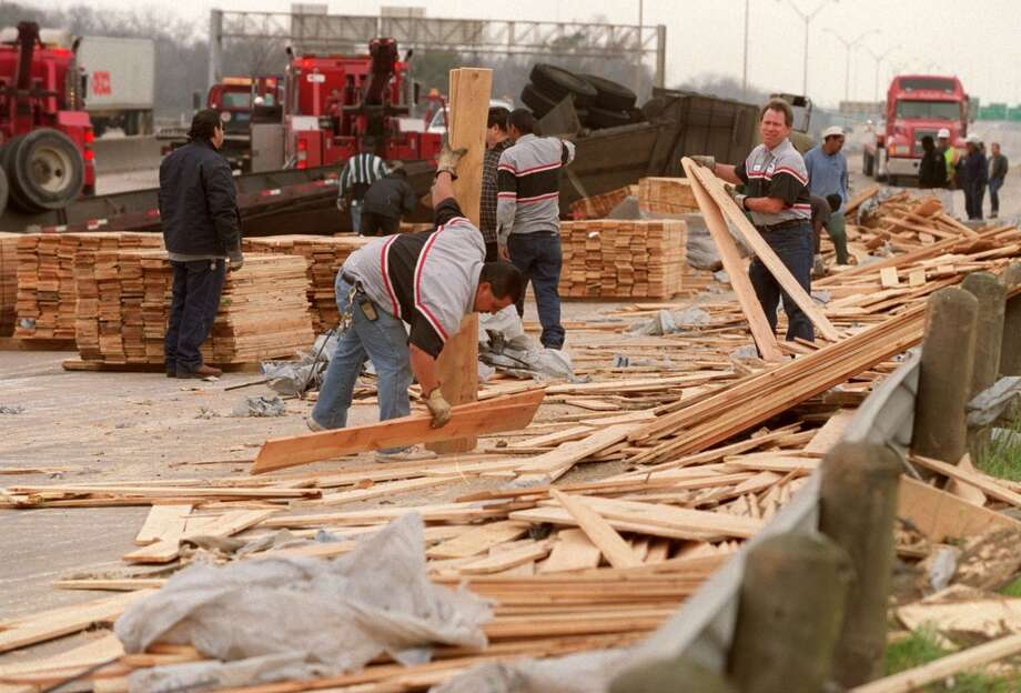 CONTACT FILED:  TRUCKS-HOUSTON