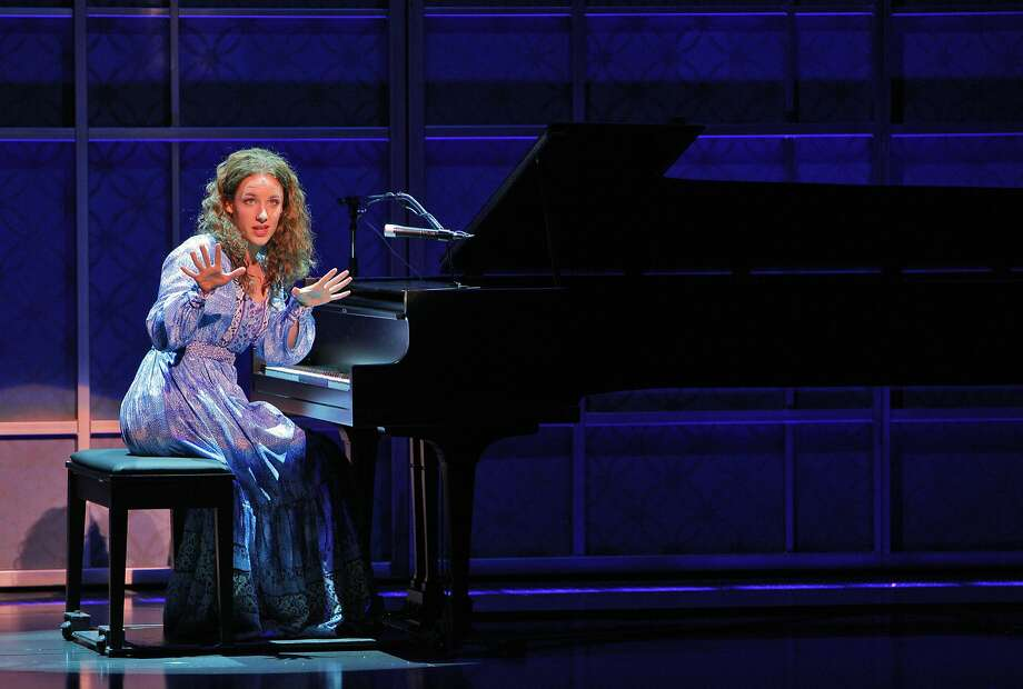 "Jessie Mueller as Carole King in a dress rehearsal of, ""Beautiful: The Carole King Musical"" at the Curran Theater in San Francisco, Calif., on Monday, September 23, 2013. Photo: Carlos Avila Gonzalez, The Chronicle"