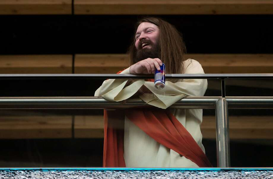 What would Jesus drink? Water turned to wine? Heavens no. This Christ at the Fan Expo in 