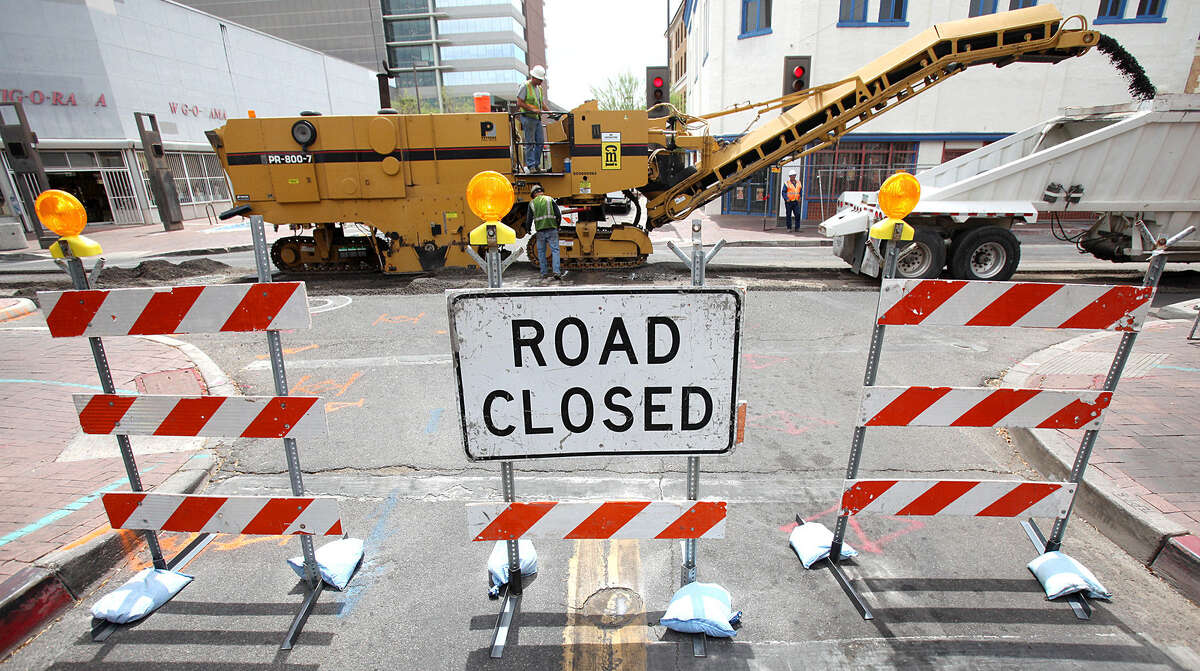 This Tucson roadblock was set up during streetcar construction. A similar situation in San Antonio would damage businesses without providing any benefit.