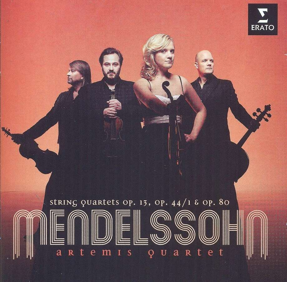 cd cover: Mendelssohn String Quartets performed by Artemis Quartet Photo: Erato