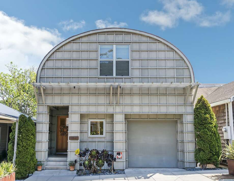 114 West St. in Sausalito was designed after the Sausalito Shipyards and includes a barrel shaped facade. Photo: Olga Soboleva/Vanguard Propertie