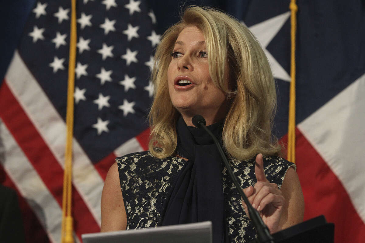 """Democratic gubernatorial hopeful Wendy Davis told supporters, """"Good teachers are fleeing the profession in droves ... and the Texas Education Agency is hiding behind federal mandates as it ratchets up the stakes for standardized tests."""""""