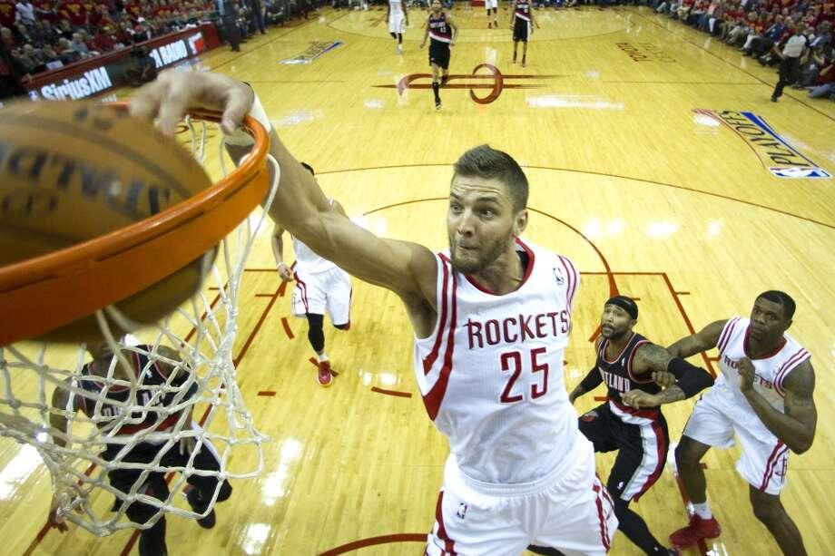 Rockets forward Chandler Parsons dunks. Photo: Brett Coomer, Houston Chronicle