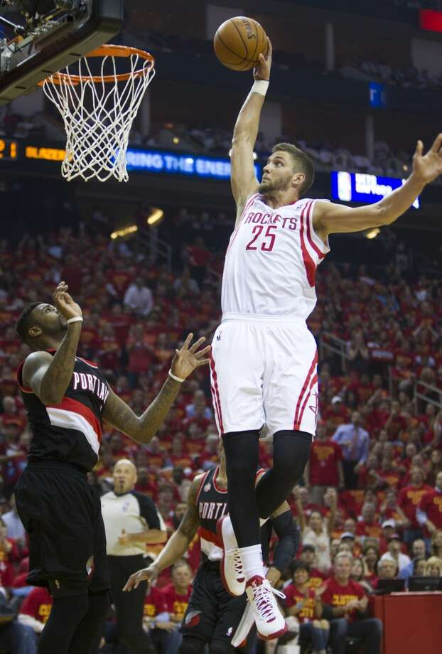 Rockets forward Chandler Parsons goes up for a dunk. Photo: Brett Coomer, Houston Chronicle