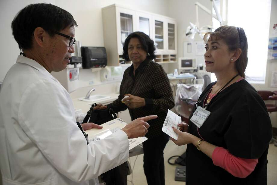 The single-payer system under consideration by the Legislature would  require the 18 million Californians who have employer-sponsored health  plans to give them up. The 4.5 million Golden State seniors on Medicare —  and 13 million people on Medi-Cal — would have to do the same. Photo: Michael Short, The Chronicle