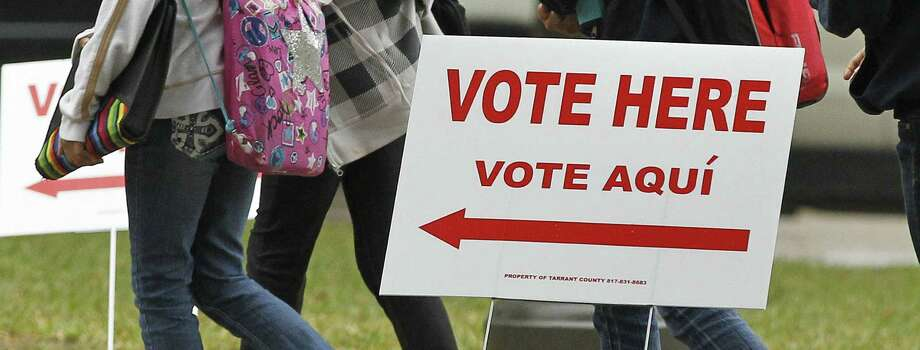 A new lawsuit challenging the use of raw population numbers to draw Texas Senate districts would dilute minority voting strength. Photo: Getty Images File Photo / The Fort Worth Star-Telegram