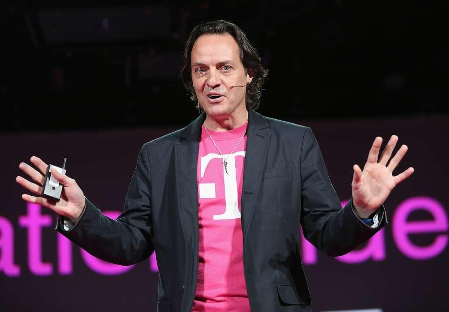Sprint preparing bid for T-Mobile, sources say