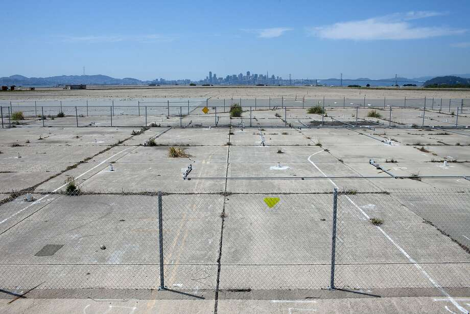 The city is planning a development at Alameda Point with stores, offices and at least 800 housing units. Photo: Tim Hussin, Special To The Chronicle