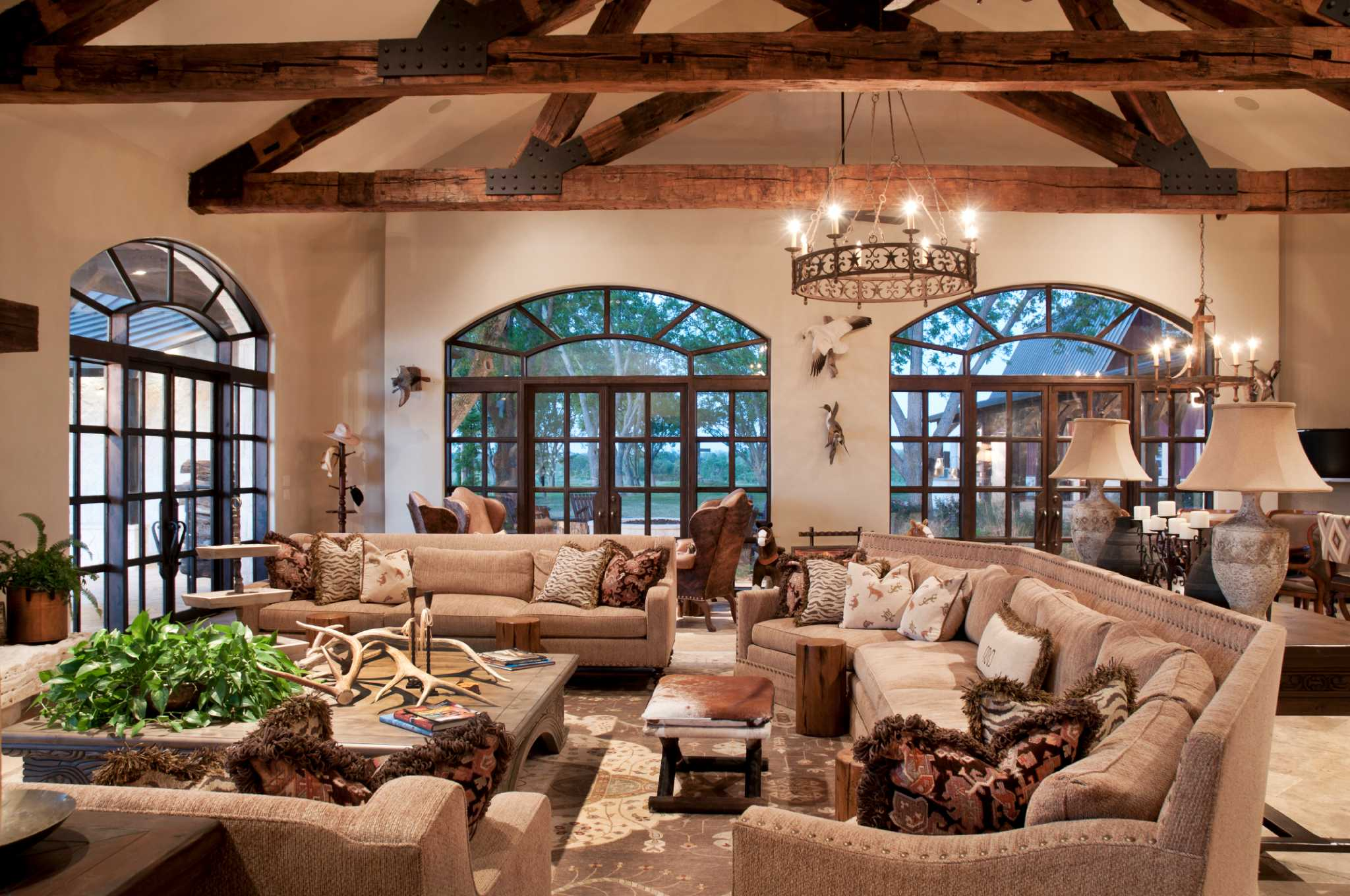 Take a tour of the texas sized ranch owned by a prominent for Texas ranch homes