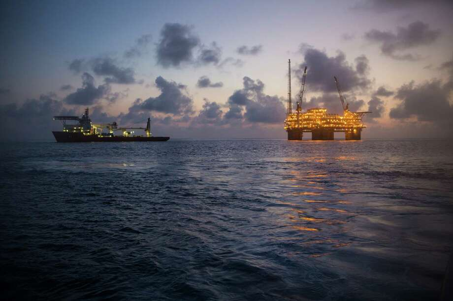 A support vessel is next to the Na Kika oil and natural gas production platform in the Gulf of Mexico, U.S.A. / ©2013 BP PLC