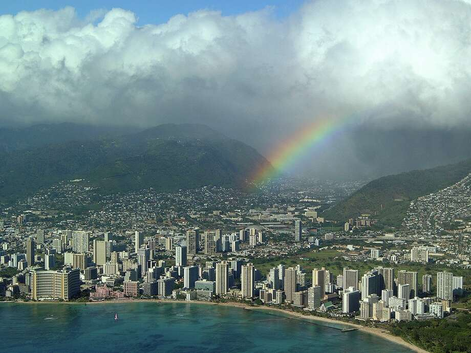 Honolulu, Hawaii will be a popular destination for Houstonians this summer according to a recent Trip Advisor survey. / (c) Hawaii Tourism Authority